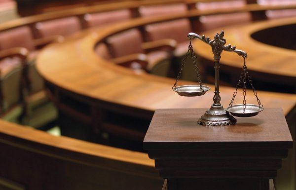 contoh #3 teks anekdot hukum peradilan - adil