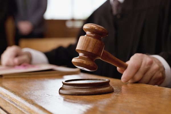 contoh #2 cerita anekdot hukum terbaru