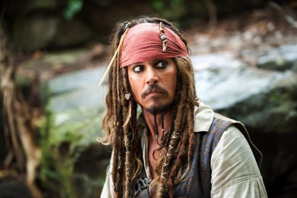 contoh descriptive text tentang idola - johnny depp