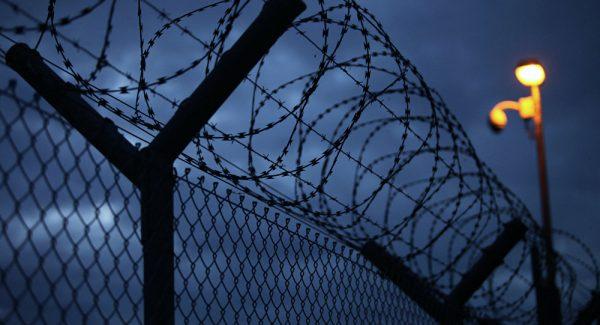 contoh teks eksposisi berita - tahanan lepas